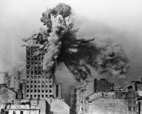 Warsaw Uprising: on August 28, 1944 Prudential building was hit by 2 ton Mörser Karl